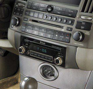 Звук в автомобиле: как заставить штатную систему звучать лучше?