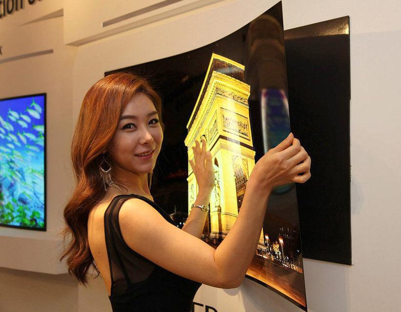 LGсобирается реализовывать вбудущем году сверхтонкий телевизорLG Wallpaper OLEDTV