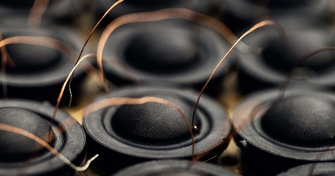 Динамики в автомобильных аудиосистемах - что это какие бывают и в чм разница