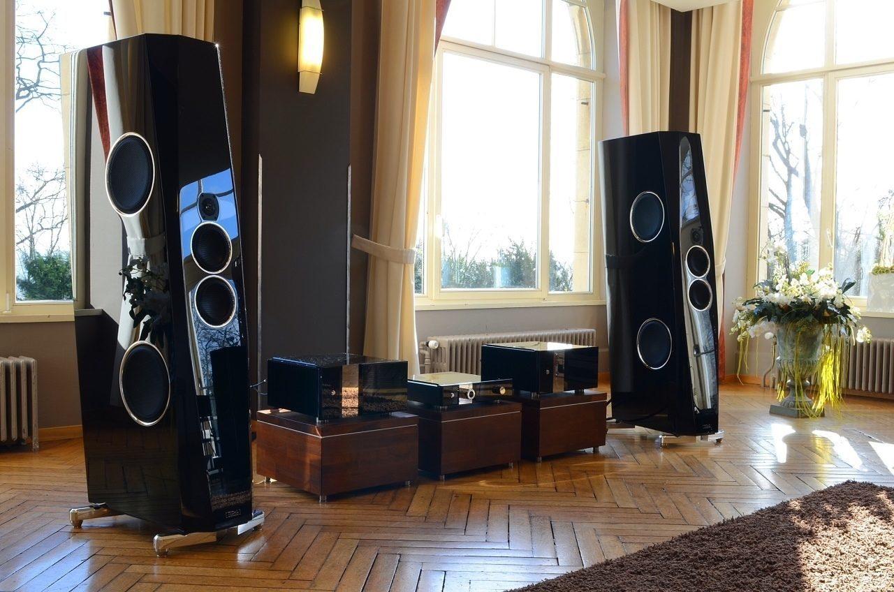 изображения большая акустика в доме фото простой