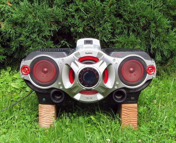 Кирпичи и «геттобластер» Sony CFD-RG880CP: гроза дачников