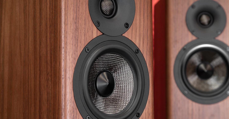 Тест полочных колонок Acoustic Energy AE500: беспощадно детальные