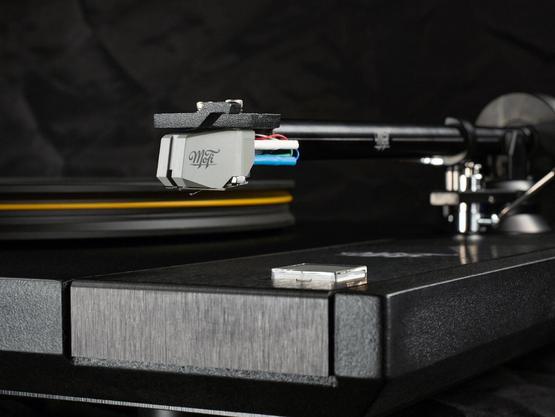 Тест винилового проигрывателя MoFi StudioDeck: густота и плотность американского звука