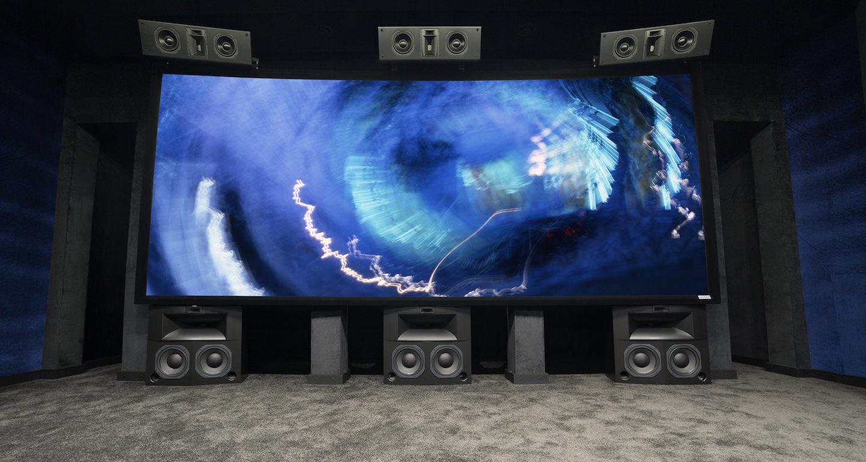 Масштабный проект домашнего кинозала: 31 канал, 4 сабвуфера и поддержка 3D-звука