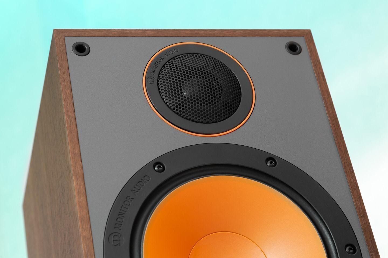 Тест полочной акустики Monitor Audio Monitor 100: музыкальные ноты и винтажные нотки