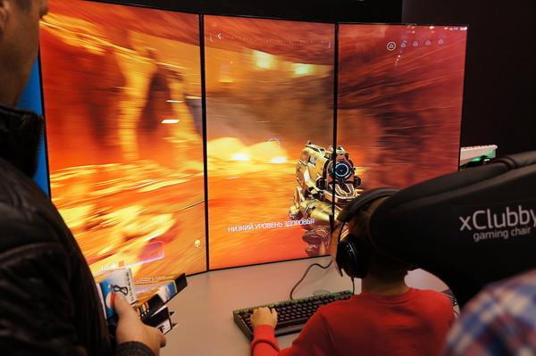 Выставка «Игромир 2016»: виртуальная реальность, девушки и рыжий кот