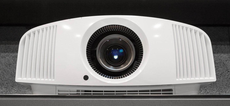 Тест 4К-проектора Sony VPL-VW260: о пользе конкуренции