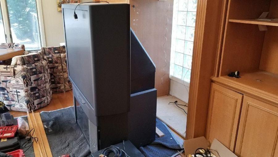Домашние проекты: как инсталлятор проекционный телевизор на OLED-панель заменил