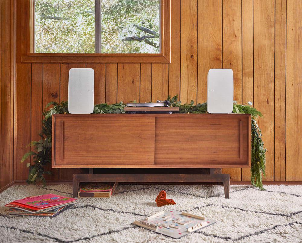 Новогодний гид 🎄 по продуктам Sonos: выбираем подарок себе и другу