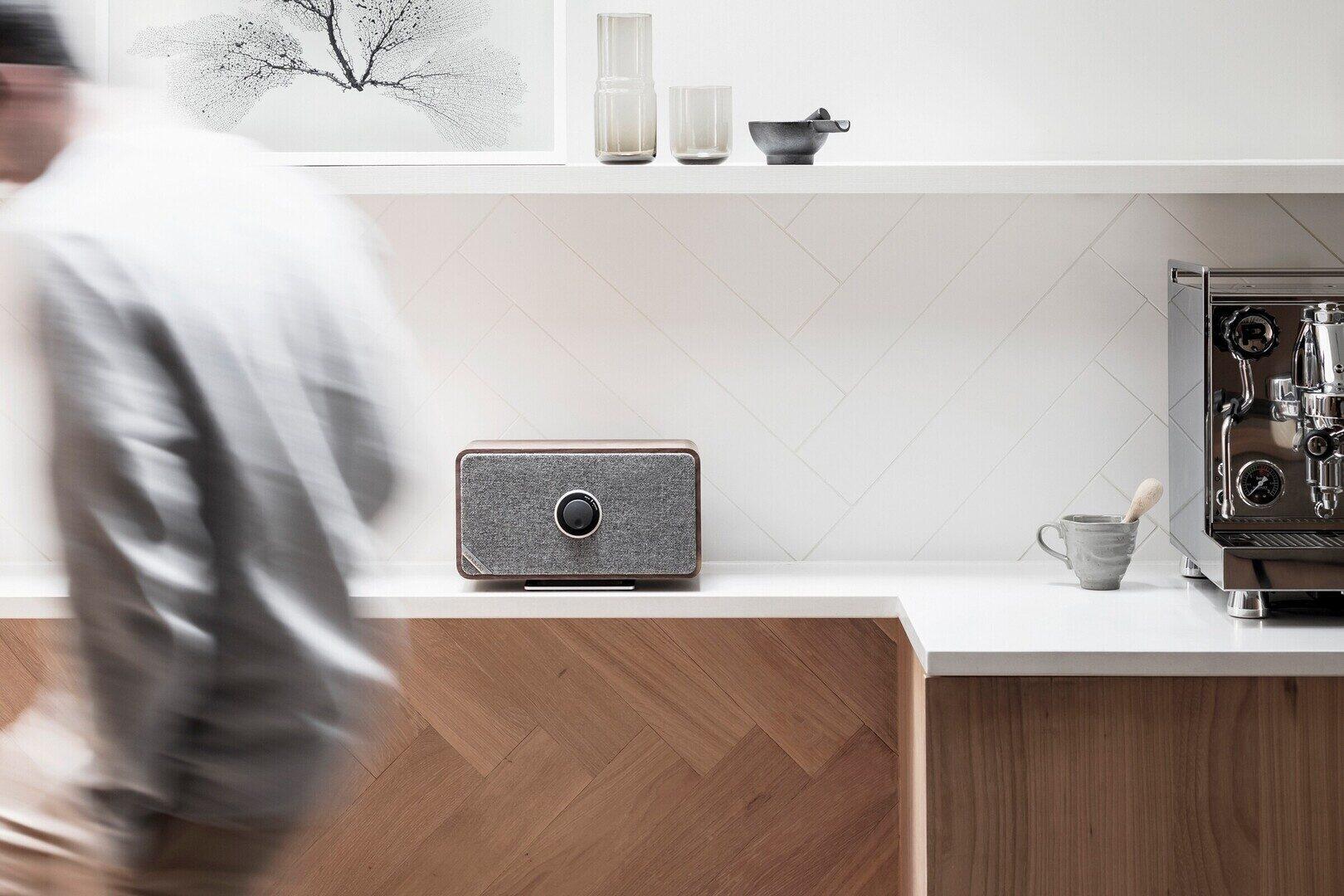 Тест аудиосистемы Ruark Audio MRx: уютно выглядит и уютно звучит