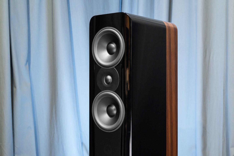 Напольная акустика Q Acoustics Concept 500: чистота кристальная