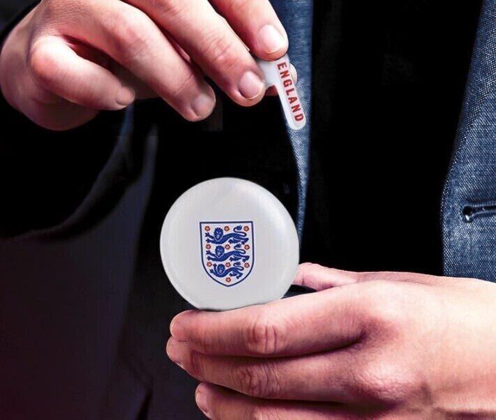 LG выпустила TWS-наушники FA4 с символикой сборной Англии к отборочному турниру Евро 2020