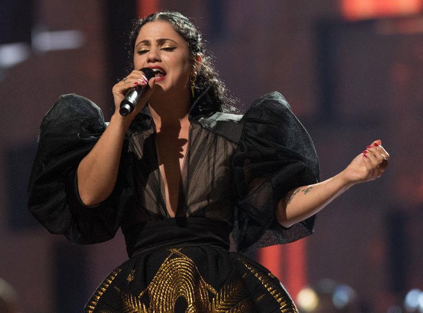 Тунисская певица Эмель Матлути анонсировала второй альбом «Ensen»