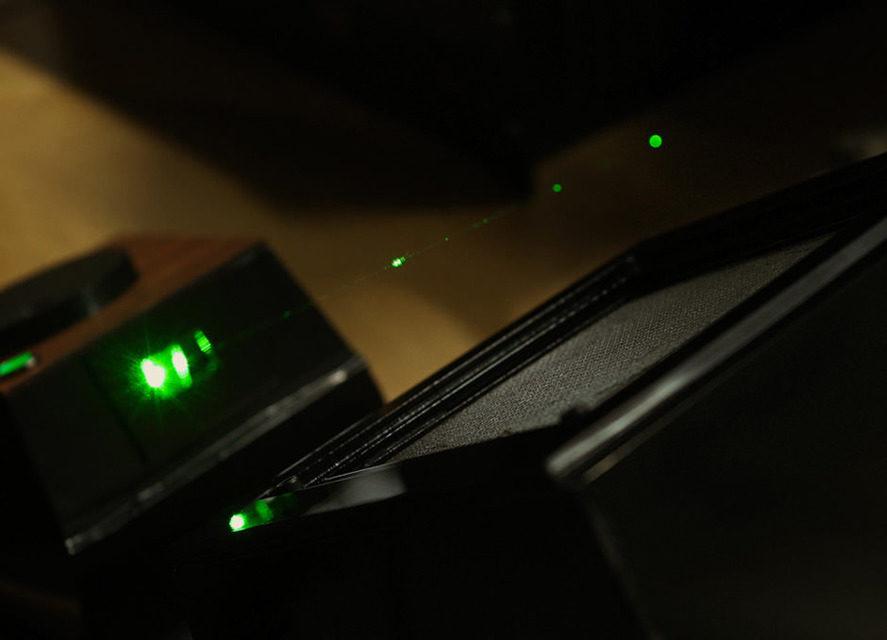 Holovect создала домашний голографический векторный дисплей за 899 долларов