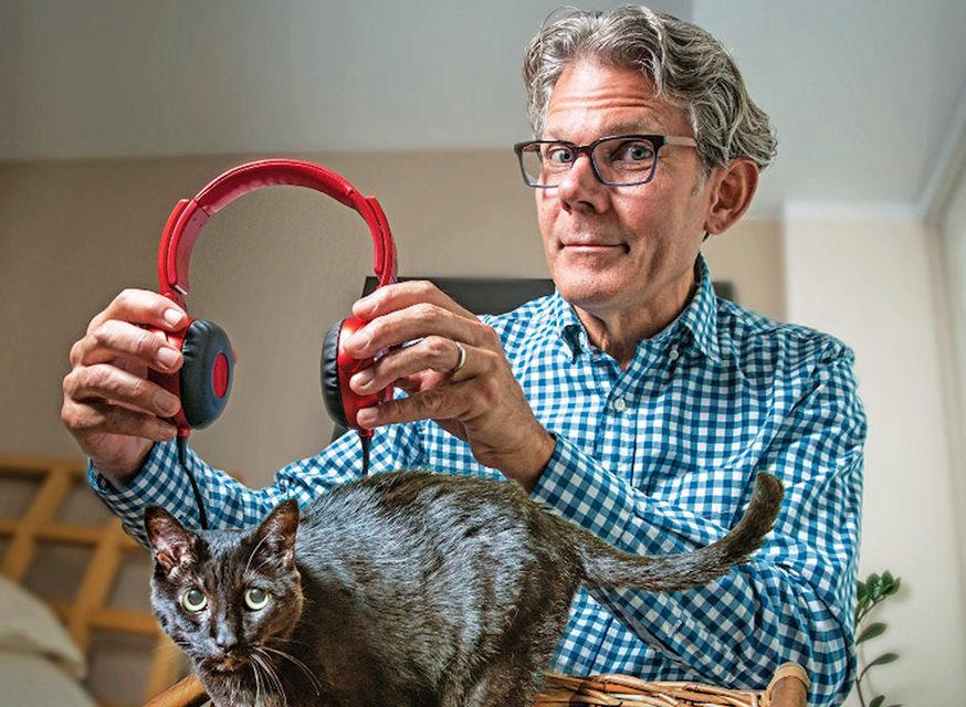 Американский композитор Дэвид Теи выпустил сборник музыки для кошек «Music For Cats»