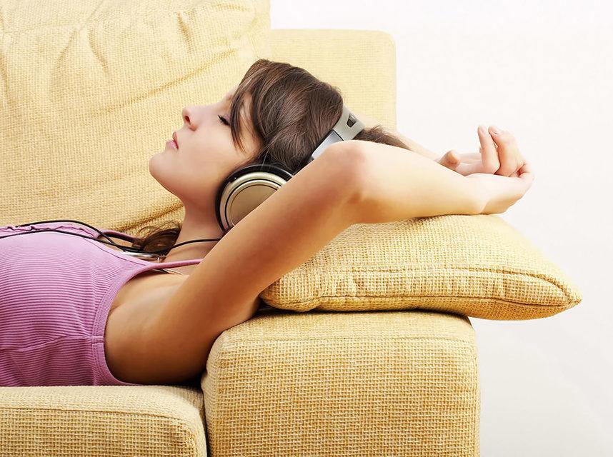 Британские нейробиологи нашли песню, которая лучше других успокаивает и снимает стресс