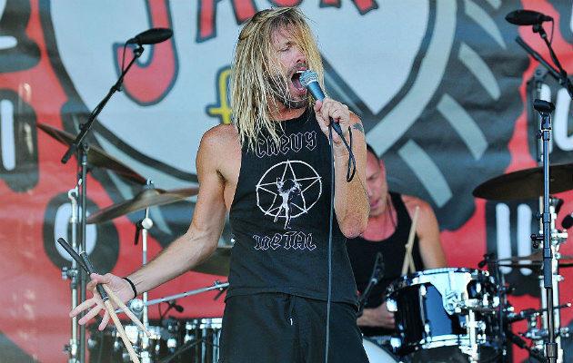Барабанщик Foo Fighters Тейлор Хокинс выпустит сольный альбом