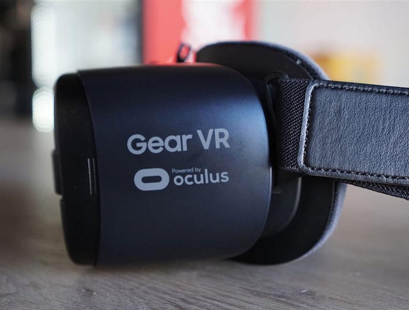 Samsung начала разработку новой мобильной VR-гарнитуры и AR-устройства