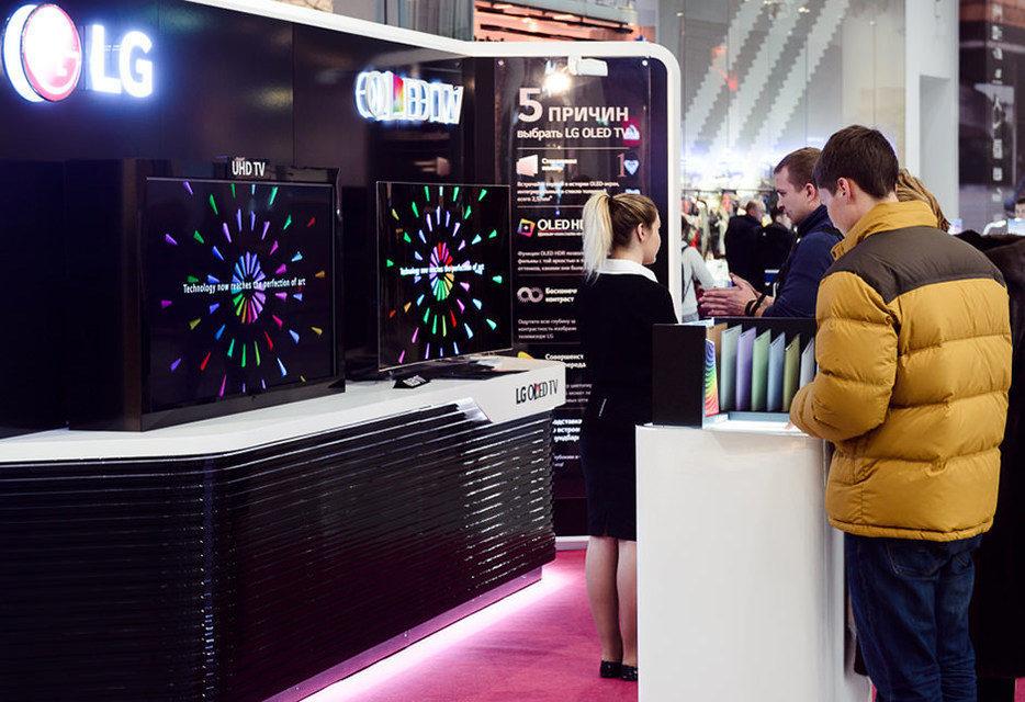 LG проводит тест-драйвы OLED-телевизоров в крупных городах России