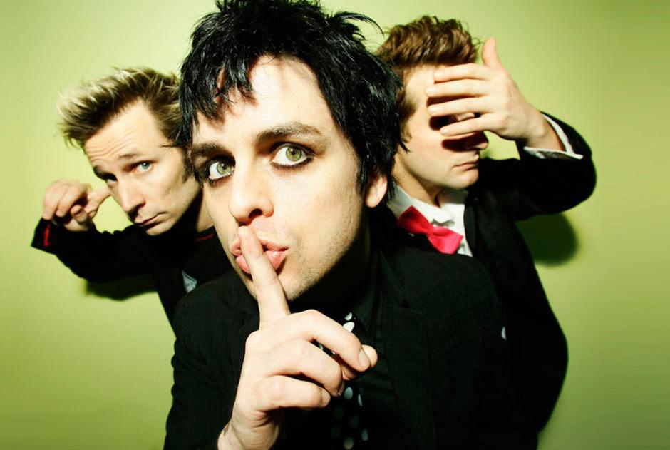 Green Day планирует выпустить кассетный бокс-сет в комплекте с бумбоксом