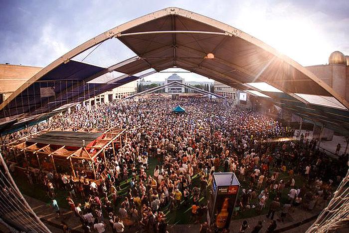 Брайан Ино выступил с речью о музыке и задачах артиста на барселонском фестивале Sonar