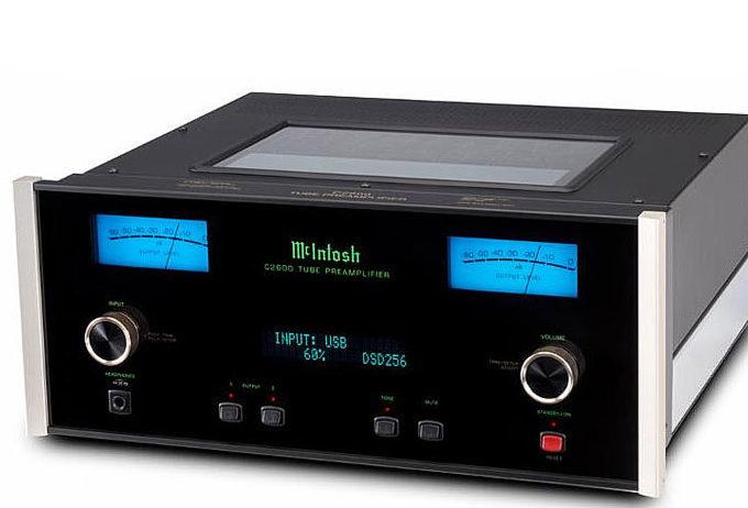 McIntosh анонсировала ламповый предусилитель C2600, фонопреамп MP100 и аудиовидео проигрыватель MVP901
