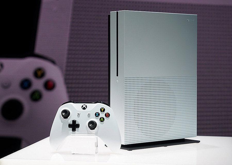 Первая игровая консоль с поддержкой 4K и HDR Microsoft Xbox One S появилась в продаже