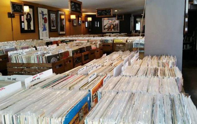 Щедрость: магазин в Лос-Анджелесе бесплатно раздаст 25 000 пластинок