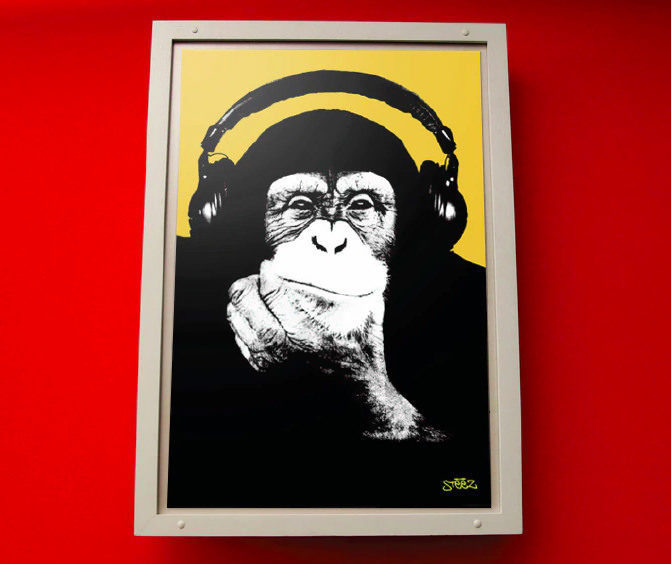 Basswall: настенный постер играет музыку