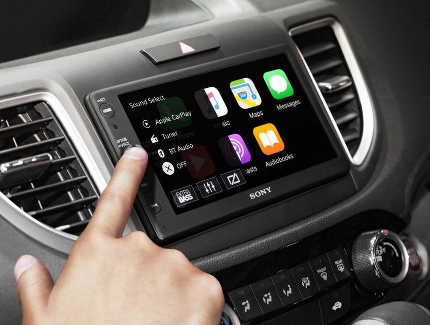 Sony выпустила автомобильный ресивер XAV-AX100 с поддержкой Apple CarPlay и Android Auto
