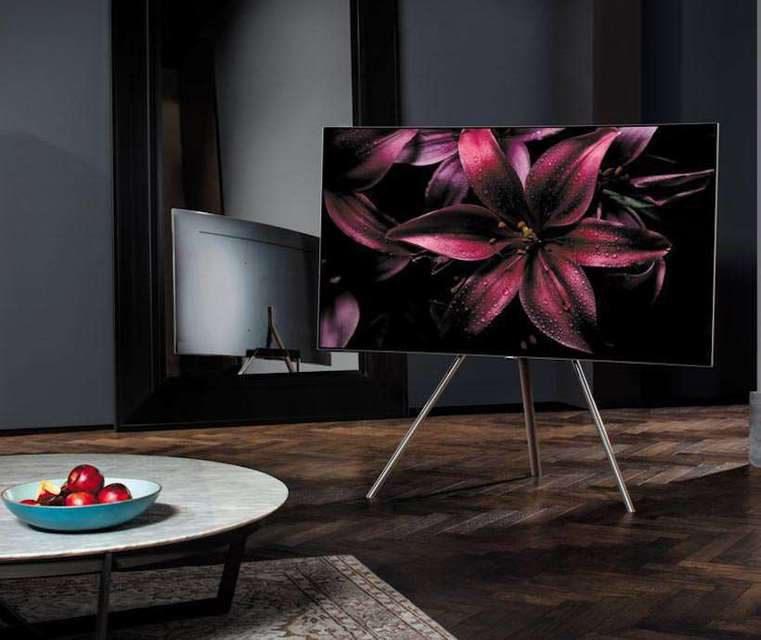 Samsung представила флагманский QLED-телевизор Q9