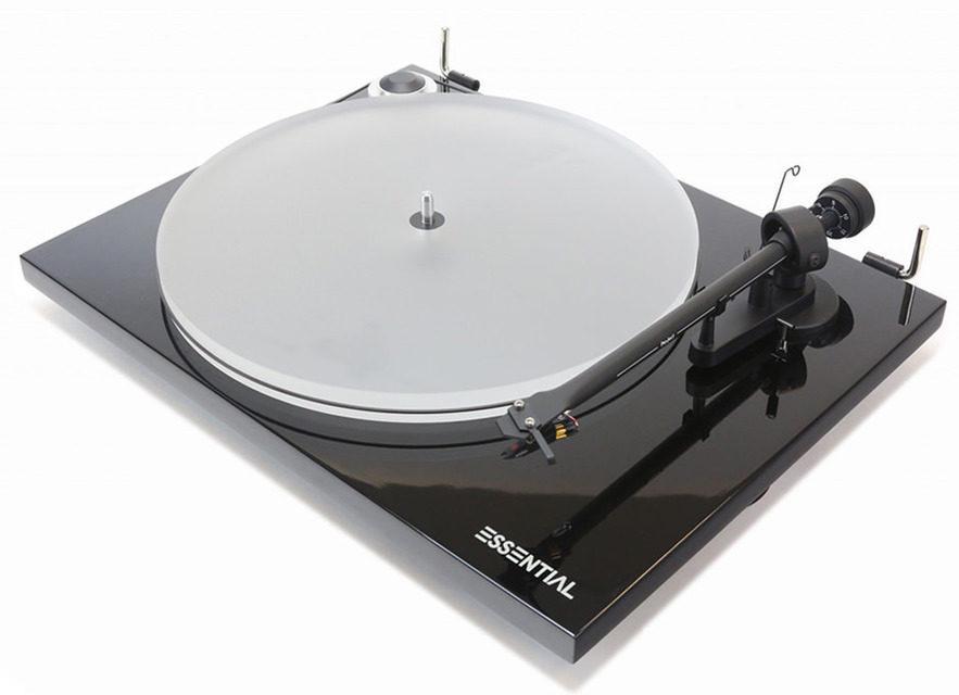 Pro-Ject выпустила вертушку Essential III с головкой Ortofon OM10