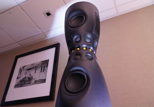 Lexicon разработала 32-драйверную активную акустику SL-1 с функцией оптимизации звука под местоположение слушателя