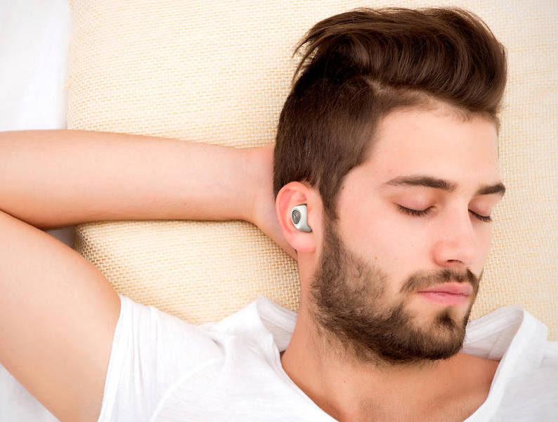 Motorola выпустила бюджетные беспроводные наушники-вкладыши VerveOne Music Edition