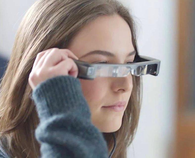 На выставке ISR 2017 компания Epson показала очки дополненной реальности Moverio BT-350