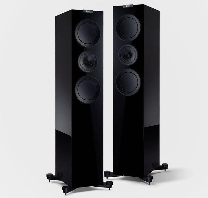 KEF выпустила акустику R700 в версии Black Edition