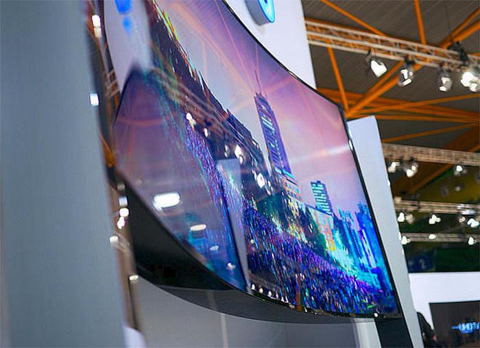 LG и Sony отказались от производства телевизоров с изогнутыми экранами