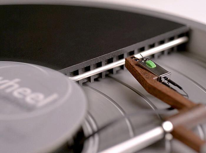 Создатели LP-проигрывателя Miniot Wheel спрятали тонарм внутрь корпуса