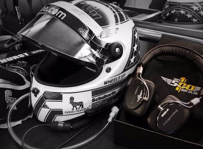 Посвященные гонке Indianapolis 500 наушники Bowers & Wilkins P5 Wireless появились в продаже в России