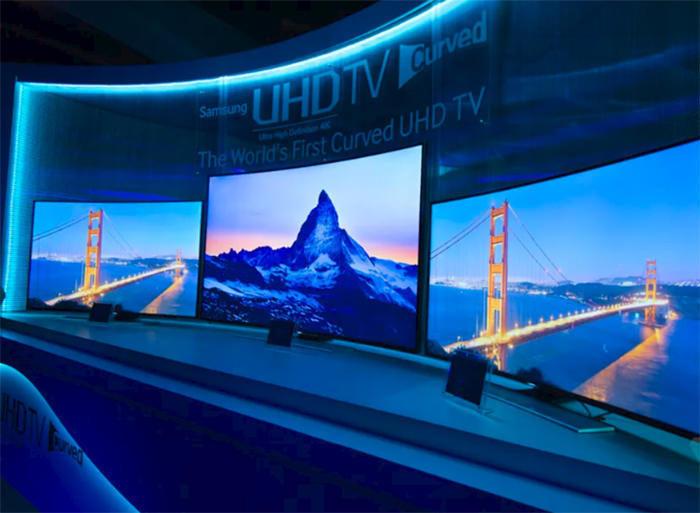 Samsung планирует выпустить 22 модели изогнутых телевизоров в 2017 году