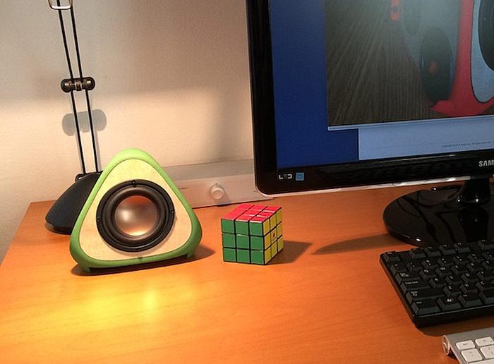 T3tra — напечатанные на 3D-принтере колонки-пирамидки