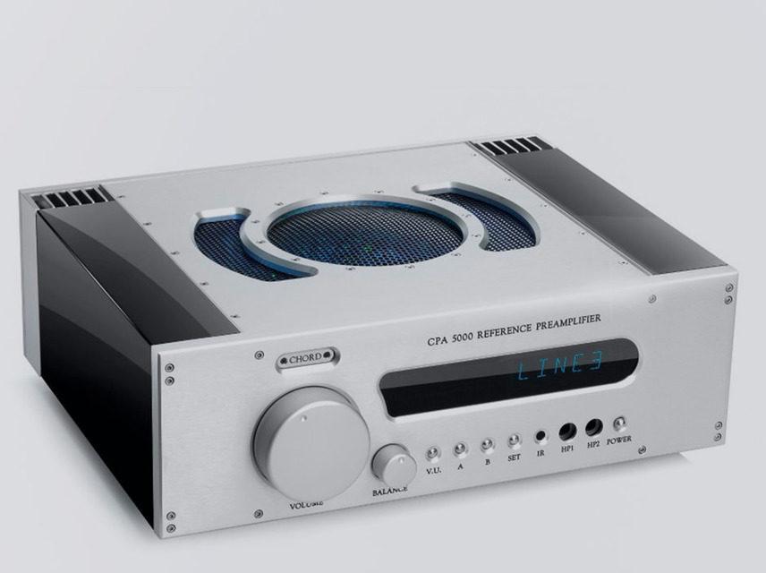 Chord Electronics добавила отделку из черного акрила для топовых компонентов