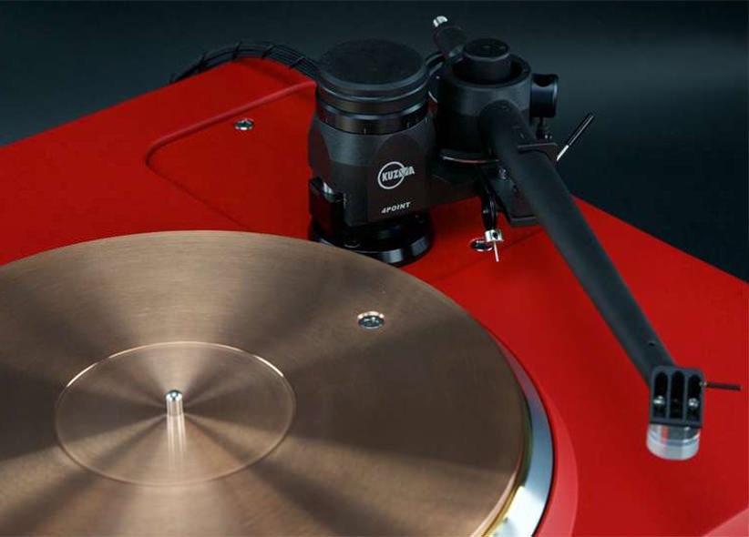 Проигрыватель Technics SP10MK3 в цвете Ferrari Corsa Red выставлен на аукцион