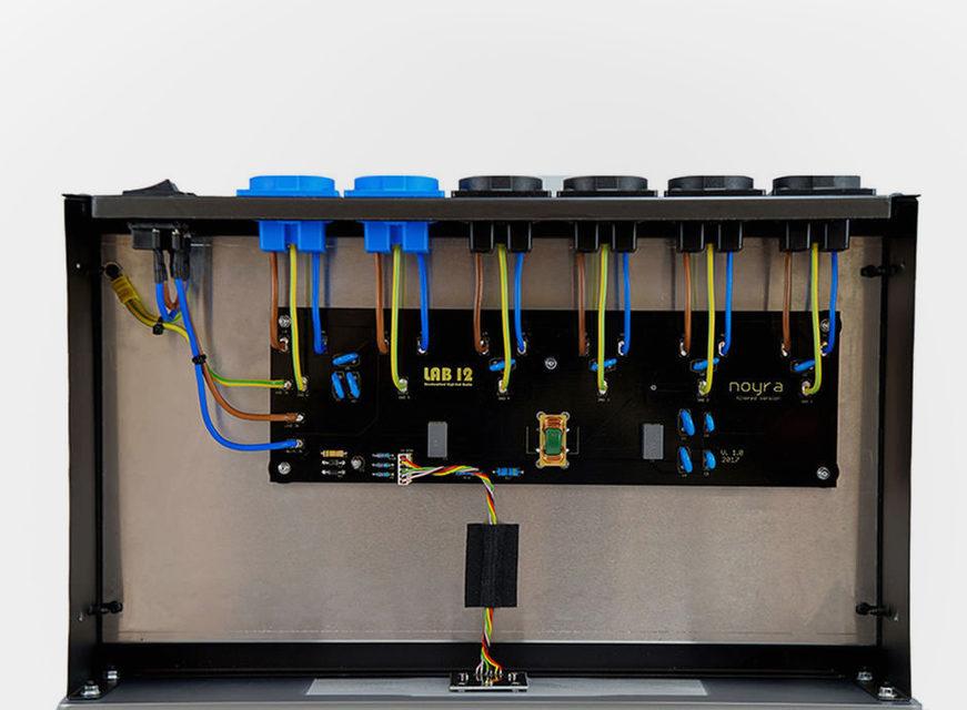 Сетевой кондиционер LAB 12 Noyra защитит AV-компоненты от перегрузок