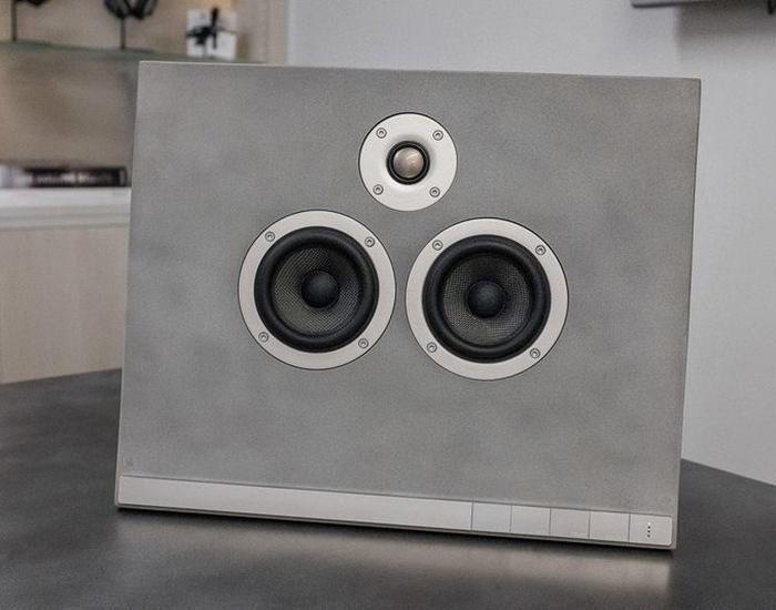Master & Dynamic MA770: беспроводная колонка из бетона