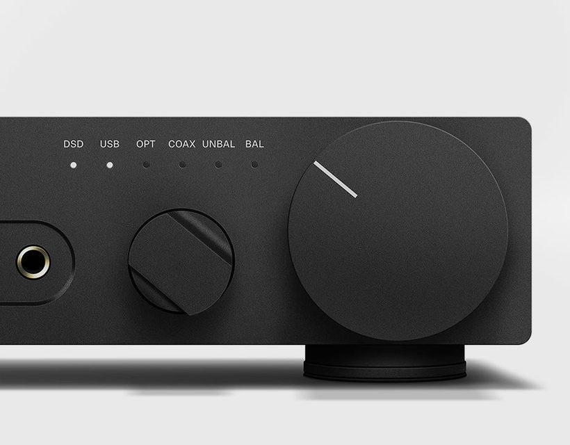 Sennheiser представила аудиофильский усилитель для наушников HDV 820