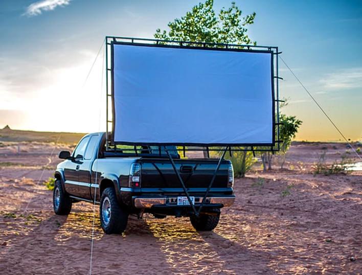 Hitch Theater: мобильный кинотеатр на колесах