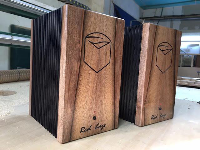 Ecobox Red Haze: моноблочный усилитель A-класса с корпусом из натурального дерева