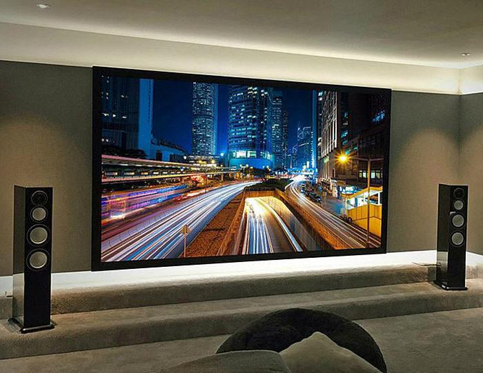Компания Ultimate Screens пополнила модельный ряд моторизированными экранами Mask Screen для 4K-изображения