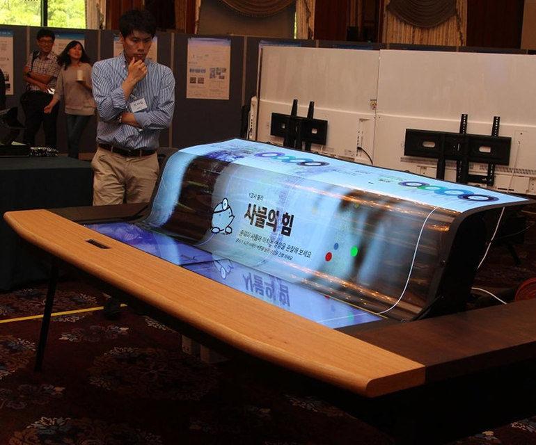 LG выпустит сворачивающийся 75-дюймовый OLED-телевизор к 2020 году